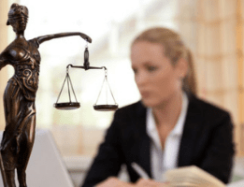 2019.02.11 – Advogada de banco não faz jus a jornada de bancário.